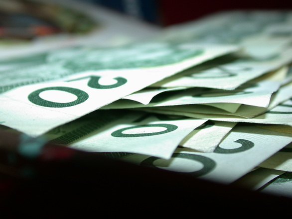 Money spell to inspire correct financial choices